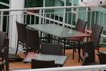 Маси и столове, произведени от ратан за заведение
