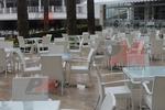 Красиви столове от ратан за заведения