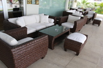 Издръжливи маси и столове от тъмен ратан