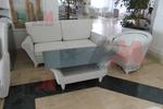 Качествени маси и столове от бял ратан