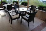 Маси и столове ратан за малко заведения