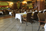 Стилни столове от ратан за ресторанти