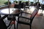 Елегантни столове от ратан за ресторанти