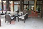 Дизайнерски маси и столове от ратан за хотел
