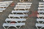 Качествени шезлонги за малък плаж