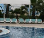 Шезлонги за басейн с различни цветове