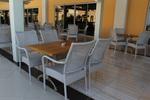 Качествени маси и столове ратан за басейн