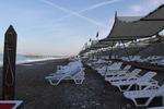 Модерни плажни шезлонги за ресторанти