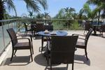Луксозни маси и столове от ратан за интериор