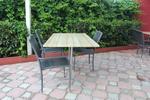 Маси и столове от ратан за интериор в различни цветове и плетки