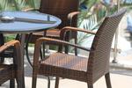 Издръжливи маси и столове ратан за лятно заведение