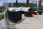 Мебели маси и столове от ратан за басейн