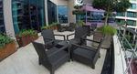 Елегантни и удобни маси и столове от ратан за кафенета