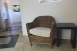 Елегантни и удобни маси и столове от ратан за басейн