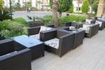 Маси и столове от ратан за басейн