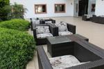 Красиви маси и столове ратан за заведение