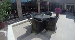 Маси и столове от ратан за малък басейн