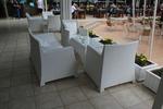 Луксозни маси и столове от бял ратан
