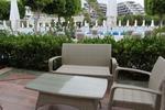 Луксозни маси и столове от евтин ратан