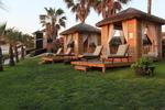 Дървен шезлонг за лятно заведение