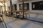 Маси и столове от ратан за интериор,придаващи стил и комфорт