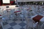 Пластмасов бял стол за кафене