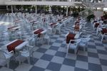 Външни пластмасови бели столове