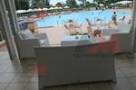 Дизайнерски маси и столове от бял ратан