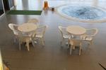 Градинска маса за басейн, произведена от пластмаса