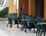 Красива пластмасова маса за ресторант