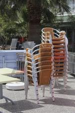 стол произведен от алуминии за басейн