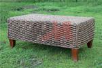 Универсални мебели от ратан за всесезонно използване в екзотично заведение Пловдив
