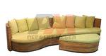 Мебели от ратан за външно и вътрешно ползване в дървеното заведение Пловдив