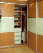 поръчкови мебели за обзавеждане на модерни гардероби София