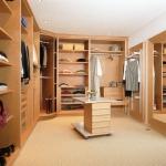 обзавеждане по индивидуален проект за Вашата луксозна гардеробна София производител