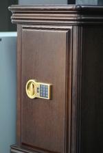 Луксозен сейф  за офис поръчков Пловдив