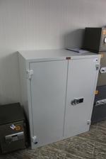 Офис метален шкаф за класьори по поръчка Пловдив
