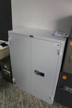 Уникални офис метални шкафове за документи Пловдив