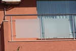 изработка на терасни иноксови парапети със мат стъкло