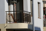 парапети за тераси от инокс и черно стъкло по поръчка