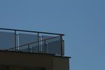 парапети за тераси от инокс и черно стъкло