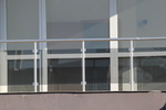 терасни парапети от алуминии и стъкло