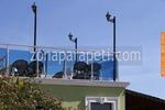 парапети за тераси от инокс и синьо стъкло по поръчка