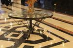 изработка на маса от ковано желязо по поръчка