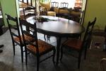 луксозни маси със столове по поръчка от масивна дървесина