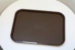 табли за сервиране с повърхност против хлъзгане специализирани за самообслужване доставка