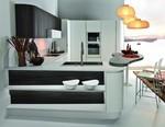 интериори за заоблени кухни лукс в бяло и черно