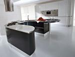гланцови заоблени кухни лукс в бяло и черно