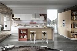 Кухня с остров с облицовка технически камък