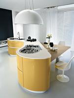 дизайнерски заоблени кухни